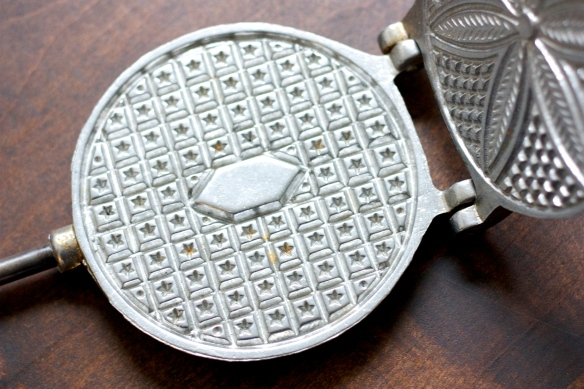 closeup of pizzelle iron plates
